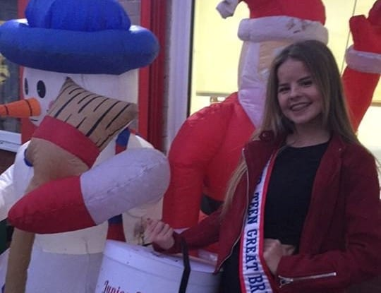 Miss Junior Teen Great Britain, Milli Jo Adair, was a special guest at her local Christmas Fair!