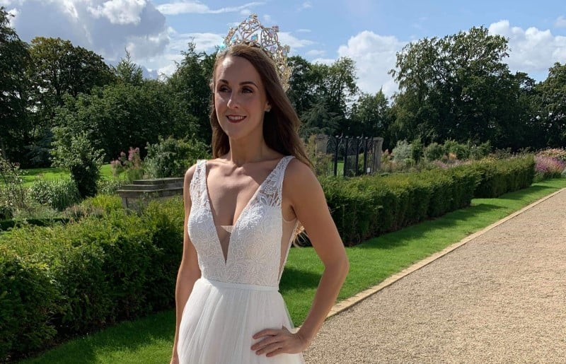 Ms Galaxy Europe, Rebecca Everson, was invited to model at a wedding show!