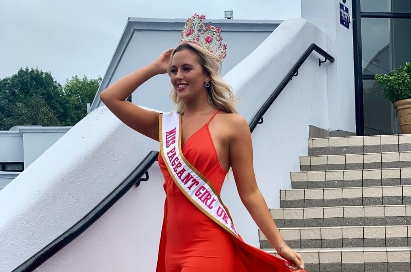 Miss Pageant Girl UK, Eden McAllister, was a special guest at the Miss Shining Light pageant!