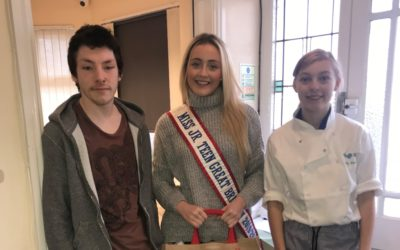 Miss Junior Teen GB, Ellie Corcoran, made a special visit to her local homeless shelter!