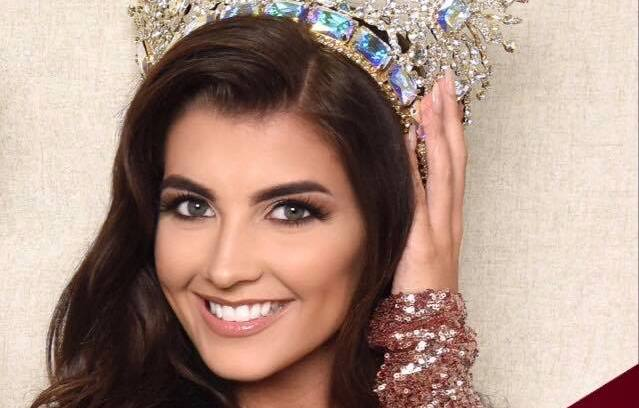 Merry Christmas from Miss Galaxy, Kelsey Poulton!